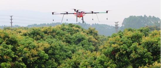 """植保无人机应用市场一度呈现出""""井喷""""的态势,功能多样化是发展的必然趋势"""