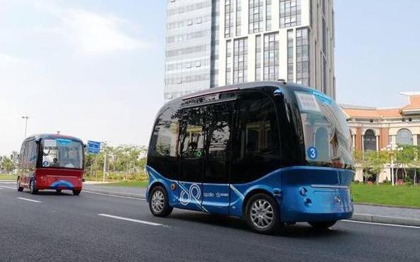 百度L4级自动驾驶巴士量产下线 软银或采购在日本进行示范测试