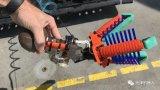 哈佛大学开发了一种具有柔软触感的水下机器人抓手
