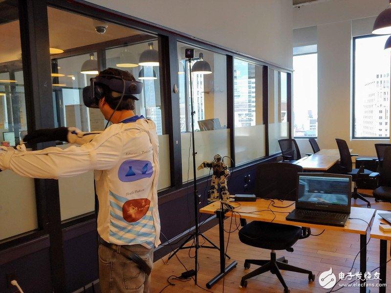 Holosuit套装结合AR和VR实现全身动作追...