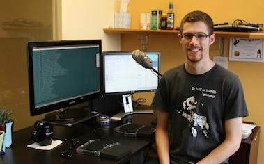 一位用语音编程的框架工程师