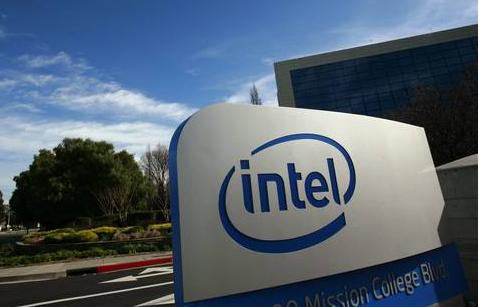 英特尔开启防御模式,将计划升级现有芯片,以抵抗AMD的强力攻势