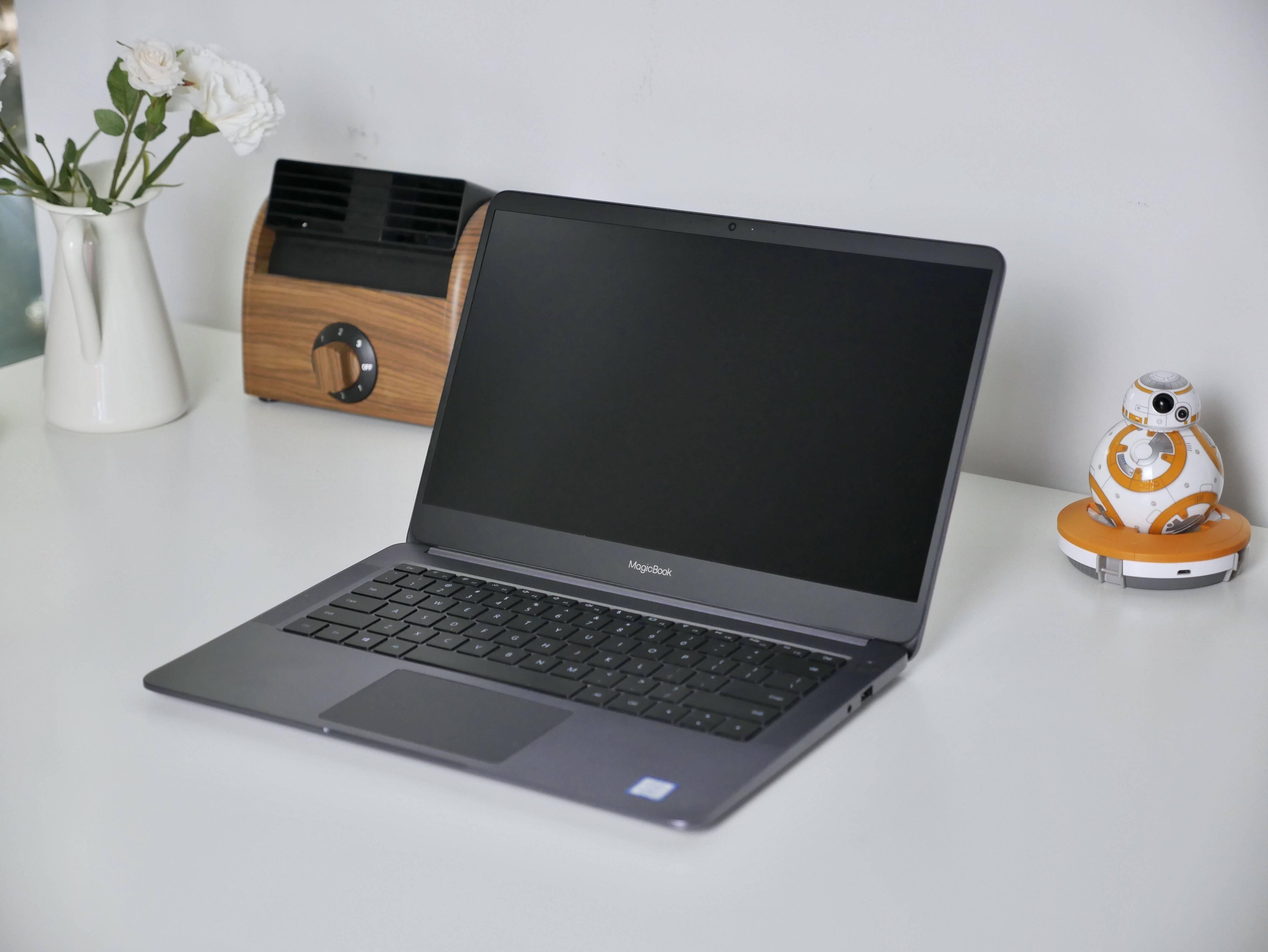 """均衡中带着""""激进""""!荣耀第一款笔记本电脑——MagicBook上手评测"""
