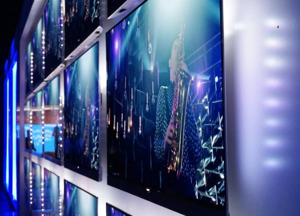 三星三季度开始生产QLED 8K电视:刷新率12...