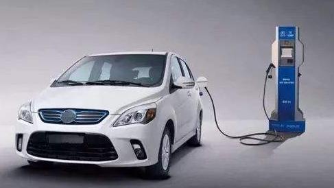 新能源汽车产业迎来大洗牌,新能源汽车未来该何去何从呢?