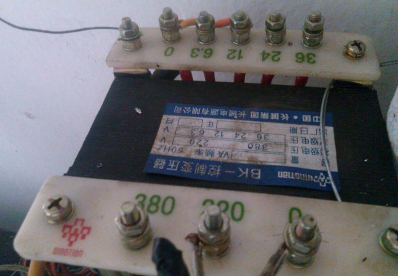变压器220变12v接线法(附电路图)