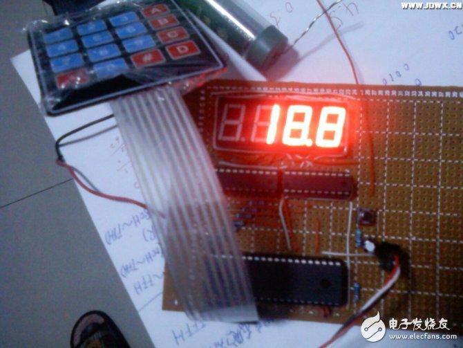 如何制作一个基于51单片机的温控器?