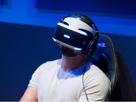 VR头显或将通过一根USB-C线缆运转,让基于P...