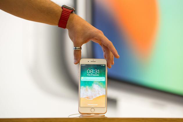 苹果未来或将加入曲面屏幕和无接触式操作等黑科技?