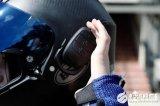 这款头盔竟可以当蓝牙耳机用,还支持通话降噪技术