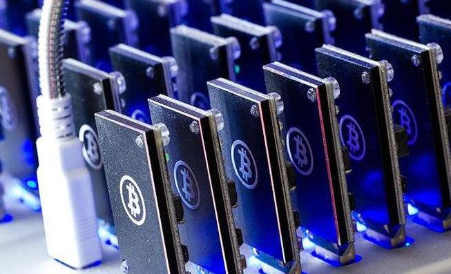"""全球首个7nm芯片的推出引争议,中国芯片的成长需要的不是""""数字游戏"""""""