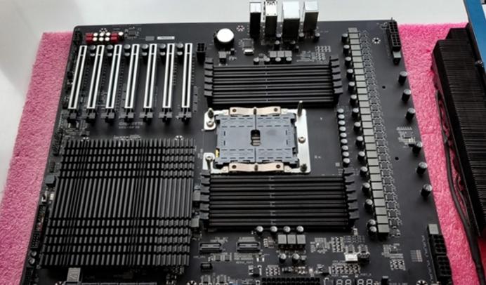 面对AMD第二代撕裂者的压力,Intel正谋划28核的发烧级平台