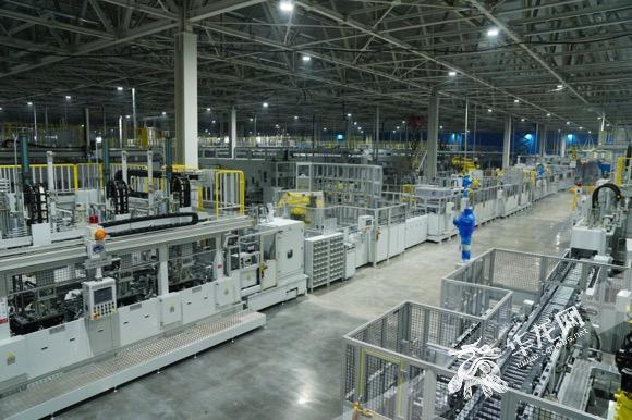 重庆工厂多关节及AGV机器人,在智能化领域有所突...