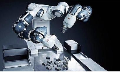 国内市场规模快速增长,但国产工业机器人份额被外资机器人占据大头