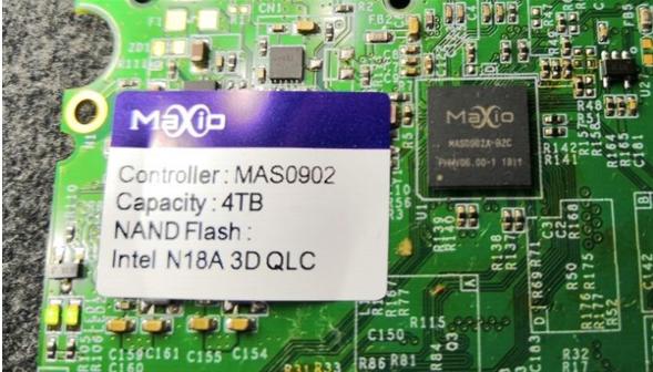 联芸展示了基于Intel 3D QLC闪存的SSD样品,容量高达4TB