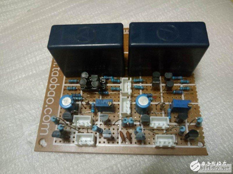 前级驱动电路板,和后级电流输出级是分开的,用上正品的安规电容。
