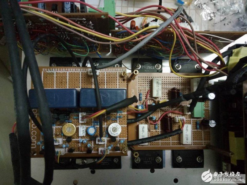 功率管的孔位十分难安装,关键是不好打孔。要是坏了再安装十分不便。
