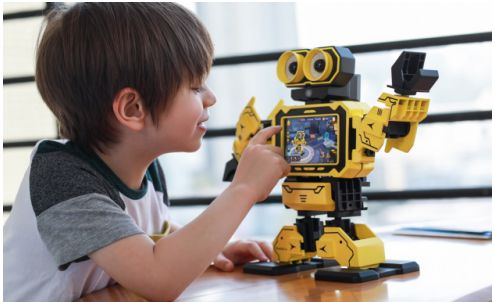 用机器人作为儿童教育助手,会影响儿童的思维观念