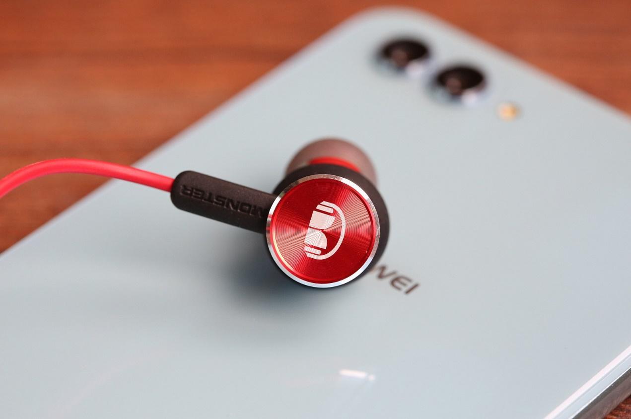 荣耀魔声耳机2值得买吗 249元的Hi-Res入...