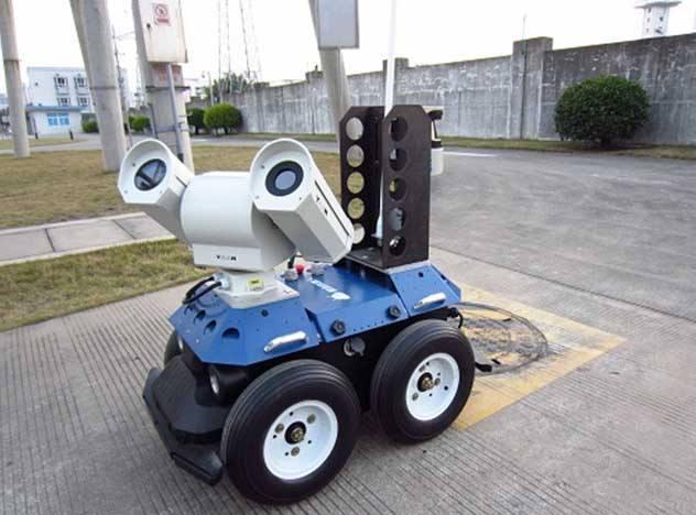 安防巡检机器人正在崛起,多功能化必将会让城市蓬勃...