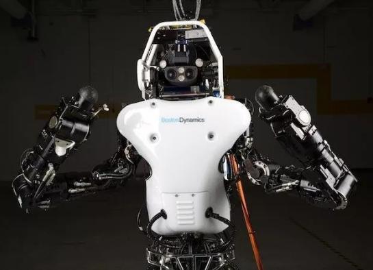 波士顿旗下机器人Atlas更新,性能得到了很大的提升