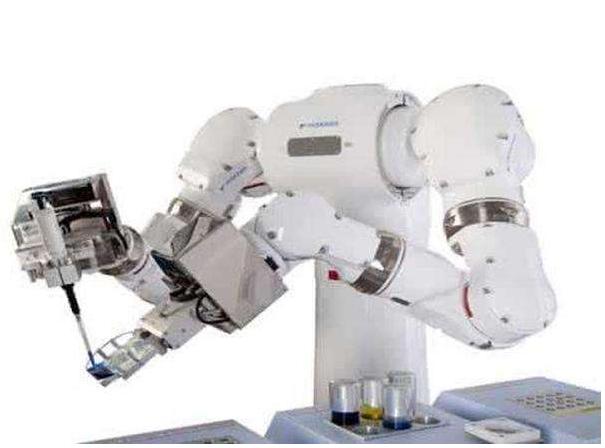 协作机器人是国产机器人企业在市场上实现弯道超车的机会