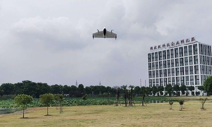 觅睿恪推出具备垂直起降功能的M600无人机