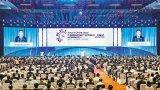 首届中国国际智能产业博览会上无人机大放异彩