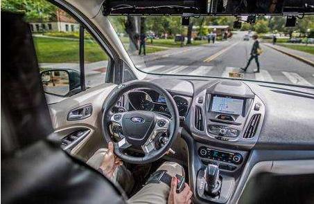 自动驾驶正在慢慢融入人们的生活,成为主流是未来的...