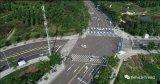 自动驾驶汽车在公共道路上行驶,但仍存异常驾驶行为