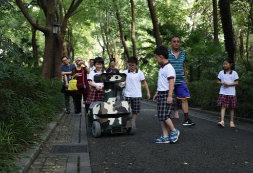 科技推出瓦力巡警机器人,拥有智能预警功能
