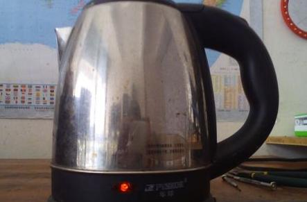 电热水壶蒸汽开关怎么维修