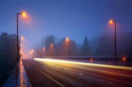 美国县城将道路标识转换为LED