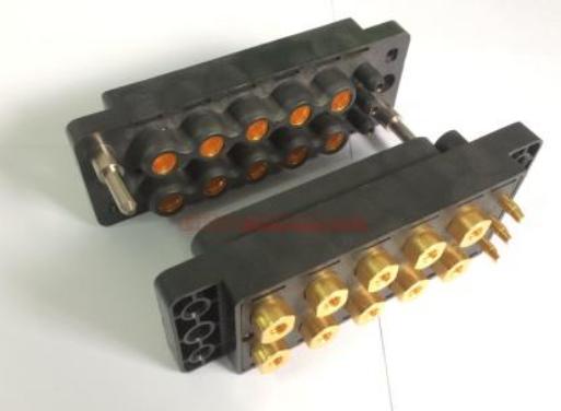 Super Sabre电源连接器系统:适合需灵活线对线与线对板配置的高电流应用