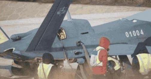 """成飞新款无人机,大型隐身无人战机""""风影""""研发进行中"""