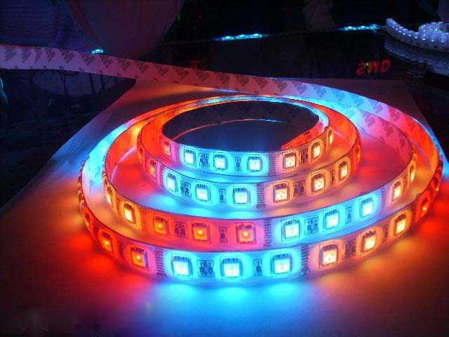 使用LED七彩软灯条时应注意哪三大因素