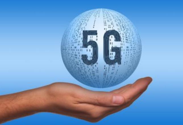 众厂商拼抢5G手机先发优势,5G手机在未来1-2...
