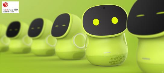 ROOBO:AI+教育,教育机器人红海之下利用平...