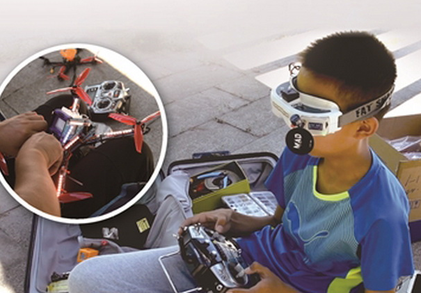 无人机百花齐放 13岁男孩设计的无人机飙进国家队