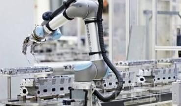 机器人产业迅速生根发芽,融合AI向中高端转型