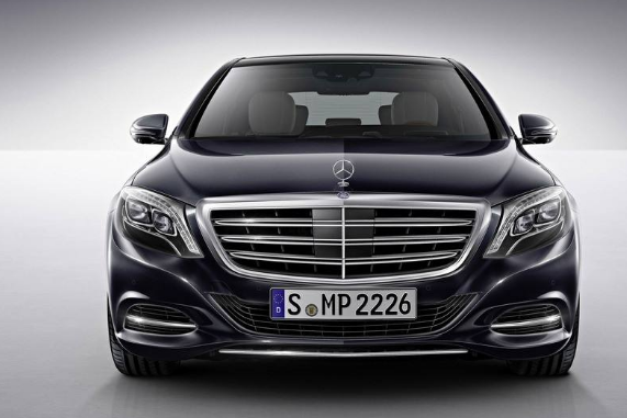 奔馳全球首款純電動SUV發布,欲在高端電動汽車市...