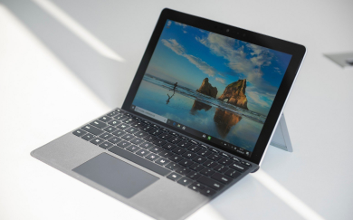 Surface go体验:搭载第七代英特尔奔腾4...