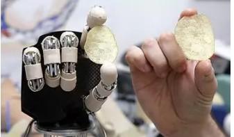 南方科技大学郭传飞教授研发出,仿荷叶结构的柔性触觉传感器