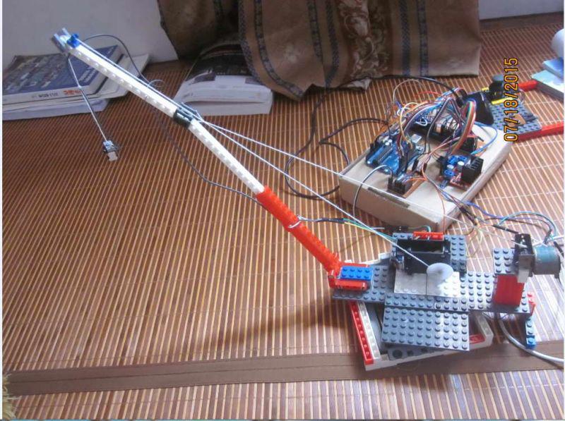 m=CTFI。 4 .直流电机的并联支路数总是成对的。而交流绕组的并联支路数则不一定。 5 .在直流电机中,单叠绕组的元件是以一个叠在另外一个之上的方式,串联而成的。无论是单波绕组、还是单叠绕组,换向片将所有元件串联在一起、构成了一个单一的闭合回路。 6 .异步电机又称感应电机,因为异步电机的转子电流是通过电磁感应而产生的。 7 .