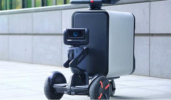 腾讯配送机器人微派亮相,进一步加速了物流行业科技化进程