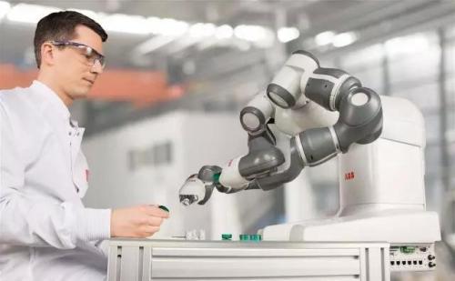 """制造业智能化转型,是实现数据社会化的""""先锋队伍"""""""