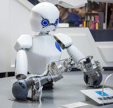 碧桂园凭什么进军机器人领域?又该如何撬动机器人市...