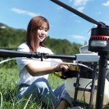 """从""""纸飞机""""到植保无人机,为农户服务的女汉子"""
