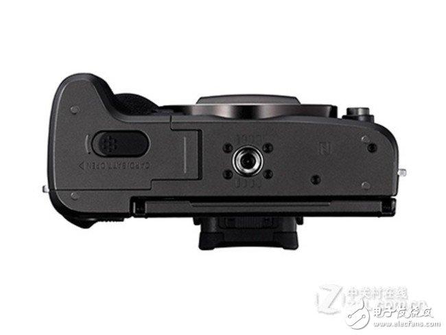 佳能EOSM5相机,小巧机身便于携带拥有2420万的有效像素