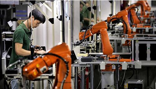 国产机器人与外资打全面竞争不现实,只能采取细分市...